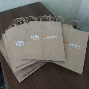 Пакеты из бурой крафт-бумаги с логотипом